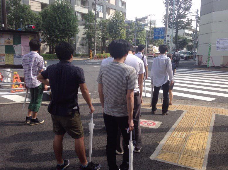 治験入院中のアクティビティ、散歩の様子